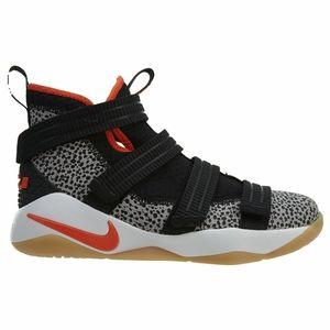 Nike Lebron Soldier XL